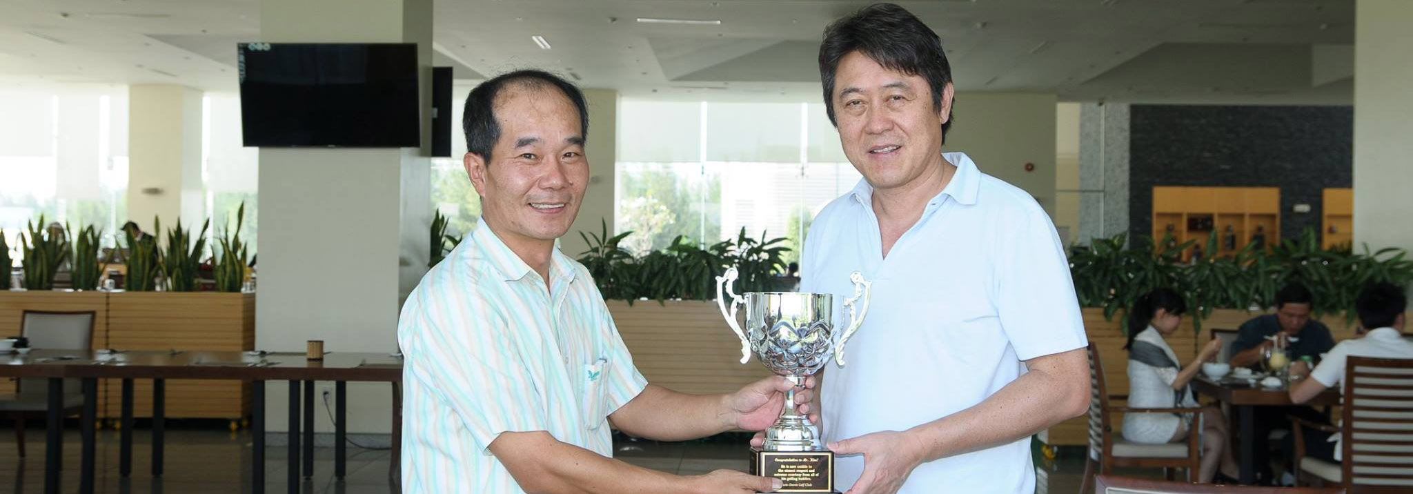 Hole-in-one-Winner  Mr. Kim Ki Hong
